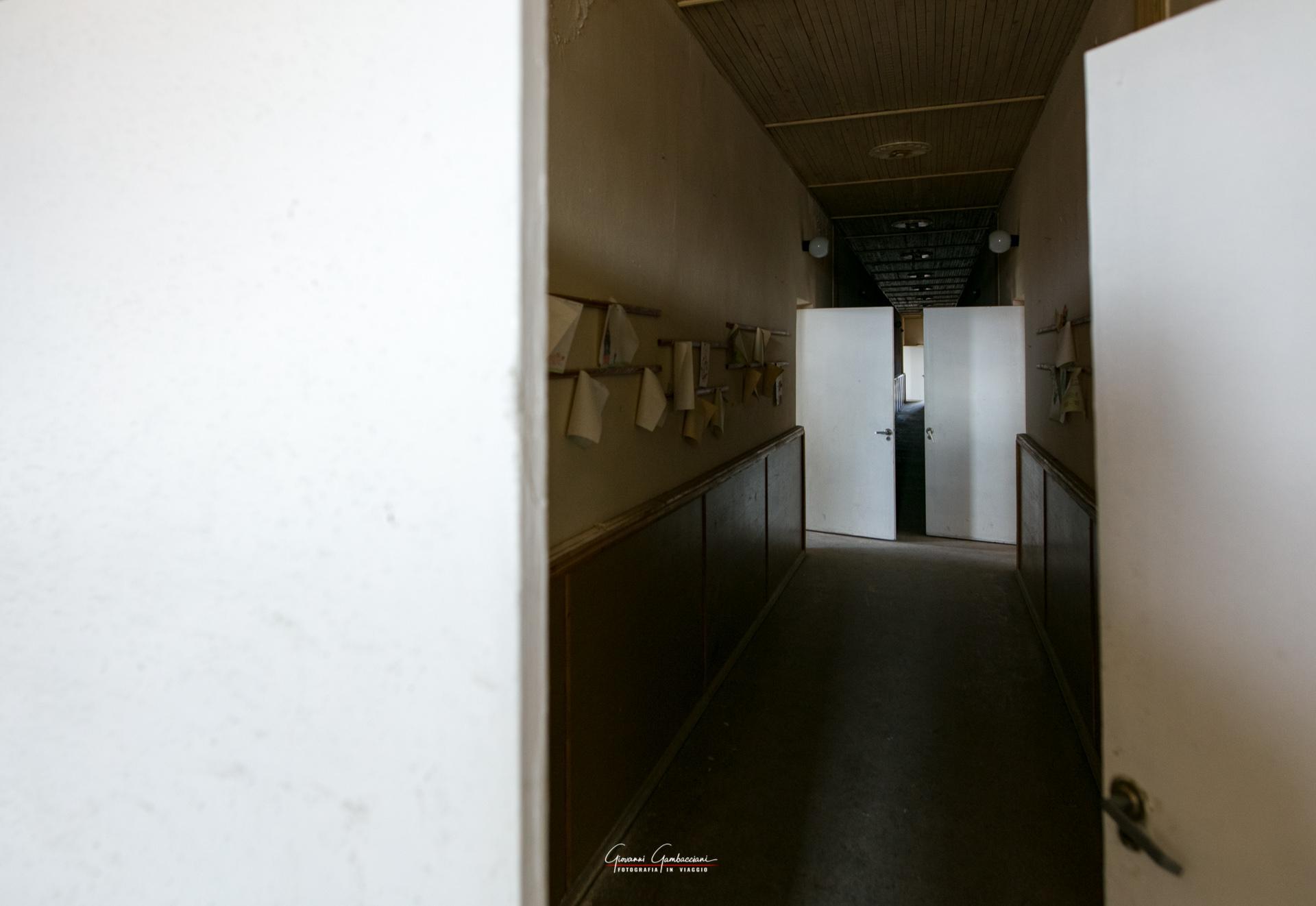 03_Svalbard_Pyramiden_Scuola-30