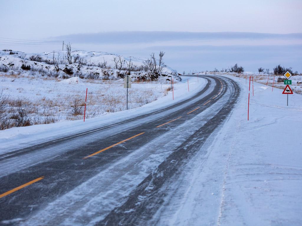 2020-Febbraio-Viaggio-Lapponia-Capo-Nord-Norvegia-Aurora-Alba-Mezzogiorno-Strada-2