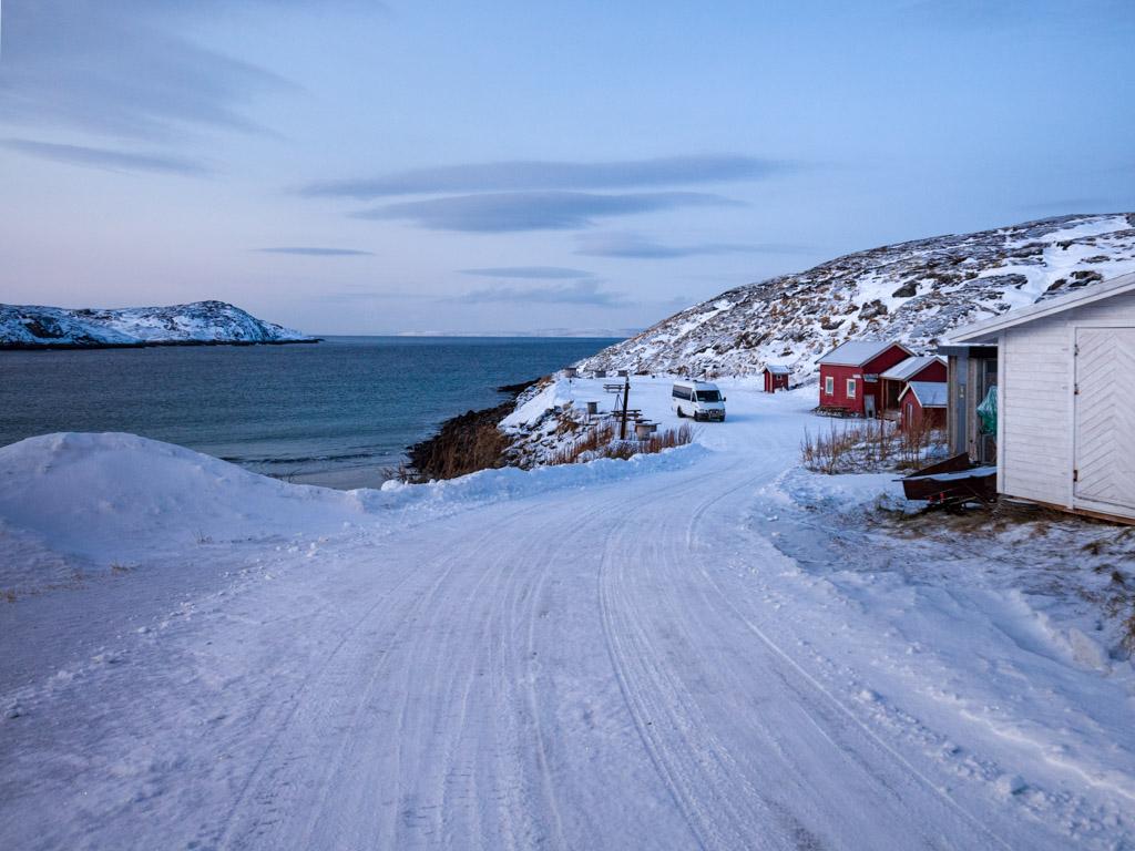 2020-Febbraio-Viaggio-Lapponia-Capo-Nord-Norvegia-Aurora-Alba-Mezzogiorno-Strada-Bugoynes-1