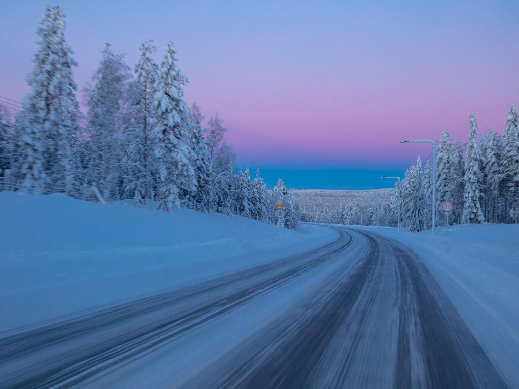 2020-Febbraio-Viaggio-Lapponia-Capo-Nord-Norvegia-Aurora-Alba-Mezzogiorno-Strada-Fascia-Venere
